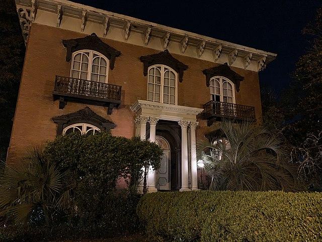 Murder at the Mercer House - Photo